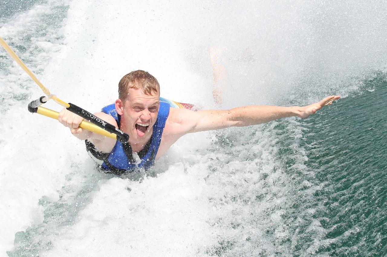 水上スキーレース なのです